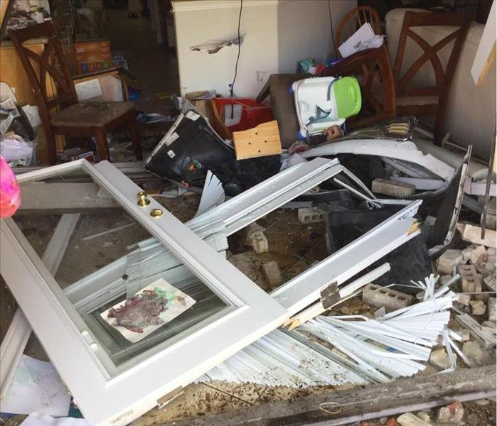 General SERVPRO of Bellaire Customer Shocked When a Car Drove Through Their Home